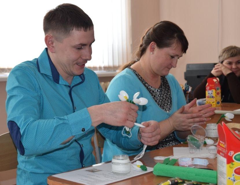 http://ilansk-uo.ucoz.ru/Pedagogi/Molodue/DSC_0379.jpg